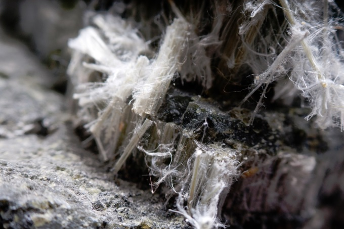 Close up image showing asbestos fibres